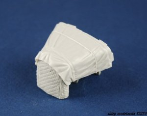 PANZERART 35217 - 1:35 Mercedes 1500 engine deck with winter Canvas