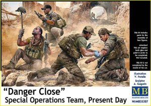 MASTER BOX 35207 - 1:35 Danger Close. Special Operations Team, Present Day