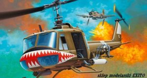 REVELL 04905 - 1:24 Bell UH-1 Huey