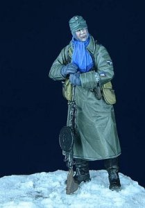 D-DAY MINIATURE 35004 - 1:35 SS Grenadier with Degtaryev MG - Eastern Front, Winter 1943-45